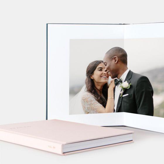 /layflat-main01-pink-photo-book-couples_2x.jpg
